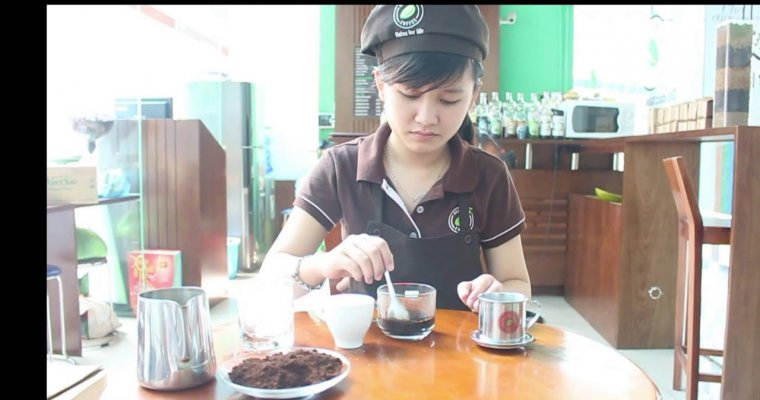 Hello 5 making a traditional Vietnamese Coffee